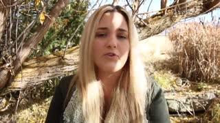 توضیحات و گریه امیلیا پترسون بعد از لو رفتن ویدئویی از ایفون x