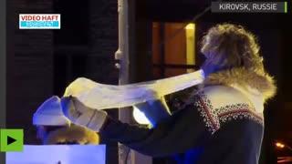 کنسرت جالب با سازهای یخی در روسیه