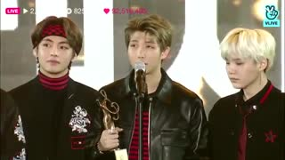 seoul music awards لحظه برد (BTS(๑•́ ₃ •̀๑...