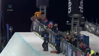 کسب 4 مدال طلا توسط دختر 17 ساله در مسابقات اسکی