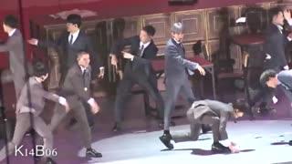 سهون و سوهو و بقیه شاباش جمع می کنن ^_^ اکسو EXO
