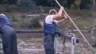 بهترین فیلم زیبای  پرش ماهیان و ماهیگیری با سرعت در ژاپن