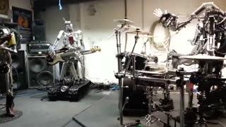 اجرای موسیقی گروهی توسط ربات ها Ace of Spades