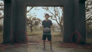 حرکات نمایشی با توپ فوتبال