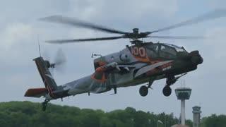 مانورهای دیدنی با هلیکوپتر نظامی آپاچی AH-64D