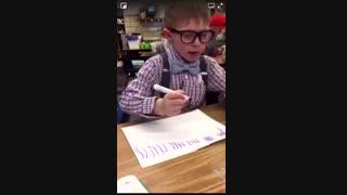 چالش خاص کودکان : نقاشی و لیس زدن آبنبات