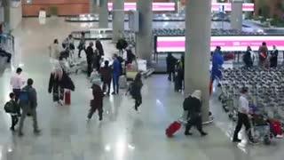 غافلگیر شدن مسافران ورودی در لحظات تحویل سال در فرودگاه