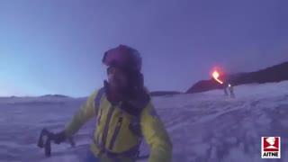 اسکی در کنار ماگمای کوه آتشفشان