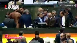 تنش در مجلس هنگام سخنرانی رئیس کل بانک مرکزی