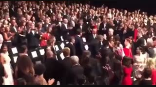 """تشویق اصغر فرهادی و تیمش در جشنواره کن برای فیلم """"همه میدانند"""""""