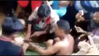 خورده شدن زن 40 ساله توسط یک مار