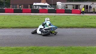مسابقه موتورسواری کودکان 9 ساله