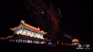 استفاده از 1374 پهپاد برای روشن کردن آسمان پکن و شکست رکورد جهان