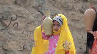 حمل مشک آب زنان بختیاری