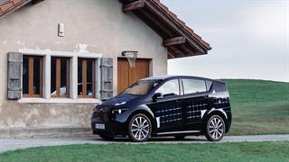 آزمایش خودرو مجهز به پنل های خورشیدی