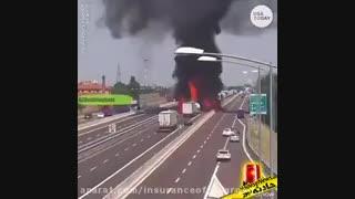آتش کشیدن اتوبان