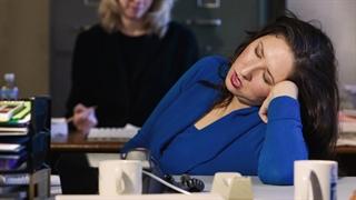چگونه بدون کافئین بیدار بمانیم؟