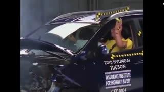 تست تصادف هیوندای توسان 2010