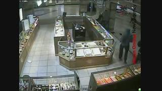 دزدی با پتک از یک طلا فروشی در آمریکا
