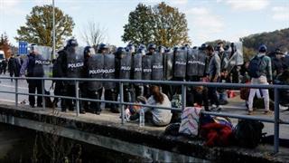 درگیری میان پناهجویان ایرانی و افغان با پلیس کرواسی در مرز بوسنی